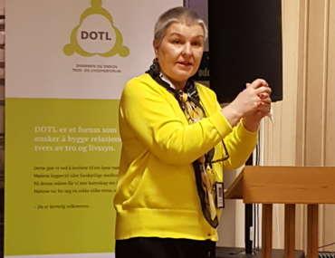 Anne Sender fra STL fortalte om bakgrunnen og arbeidet til STL.